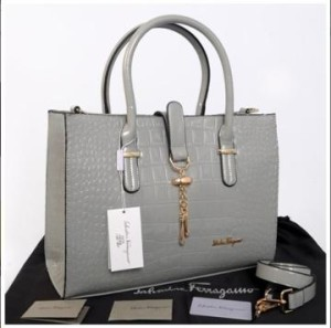 New Salvatore Ferragamo croco semprem 3307(Abu-Abu) ~ 39x11x27 idr@400rb