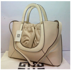 Super Givenchy Basic 8902(BeiGe) ~ 38x15x27 idr@325rb