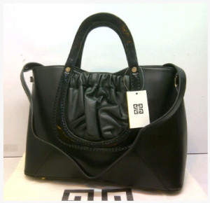 Super Givenchy Basic 8902(Black) ~ 38x15x27 idr@325rb