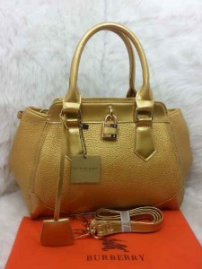 Uk 29x12x24 BURBERRY 01030 SEMI PREMIUM KULIT JERUK, GOLD(1)
