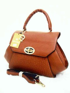 aigner mono super 631 uk 38x14x26 coklat