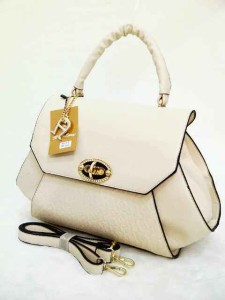 aigner mono super 631 uk 38x14x26 putih