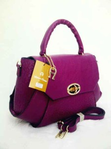 aigner mono super 631 uk 38x14x26 ungu