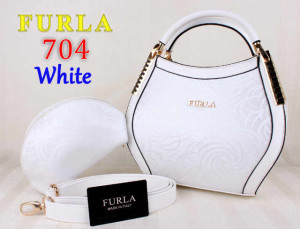 Bag Furla 704 kw super uk~31x13x21. White