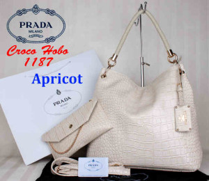 Bag Prada Croco Hobo 1187 Super uk~38x13x35. ~Apricot