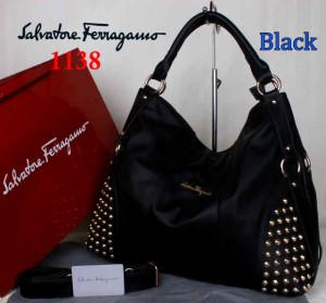 Bag Salvatore Ferragamo 1138 uk~42x15x34. Black