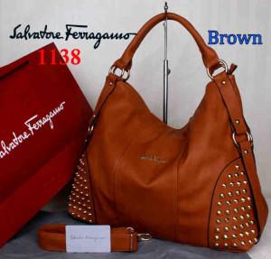 Bag Salvatore Ferragamo 1138 uk~42x15x34. Brown