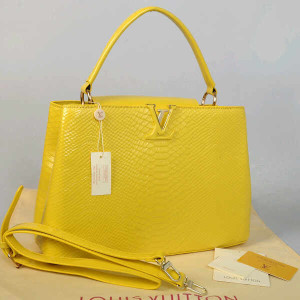 Idr 315rb@48872(Yellow) ~ 35x13x23 Louis vuitton capucin snake glossy embossed kwalitas super inside suede
