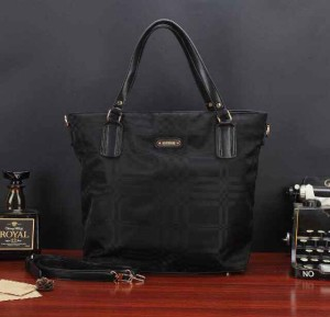 Uk 33x13x35 BURBERRY SHOPPING TOTTE SUPER, HITAM
