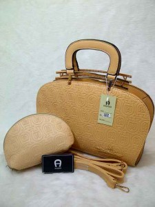 aigner arxandra set semprem uk 32x11x22 apricord