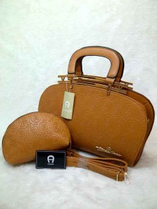 aigner arxandra set semprem uk 32x11x22 coklat