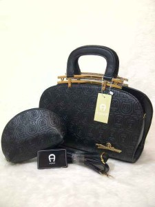 aigner arxandra set semprem uk 32x11x22 hitam