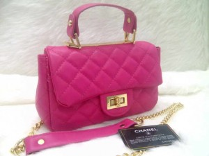 chanel classic mini 8334 @250rb uk~20x8x14cm bahan sintetis wrn plum